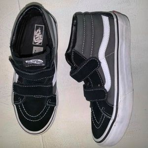 Youth boys 3 shoes Vans